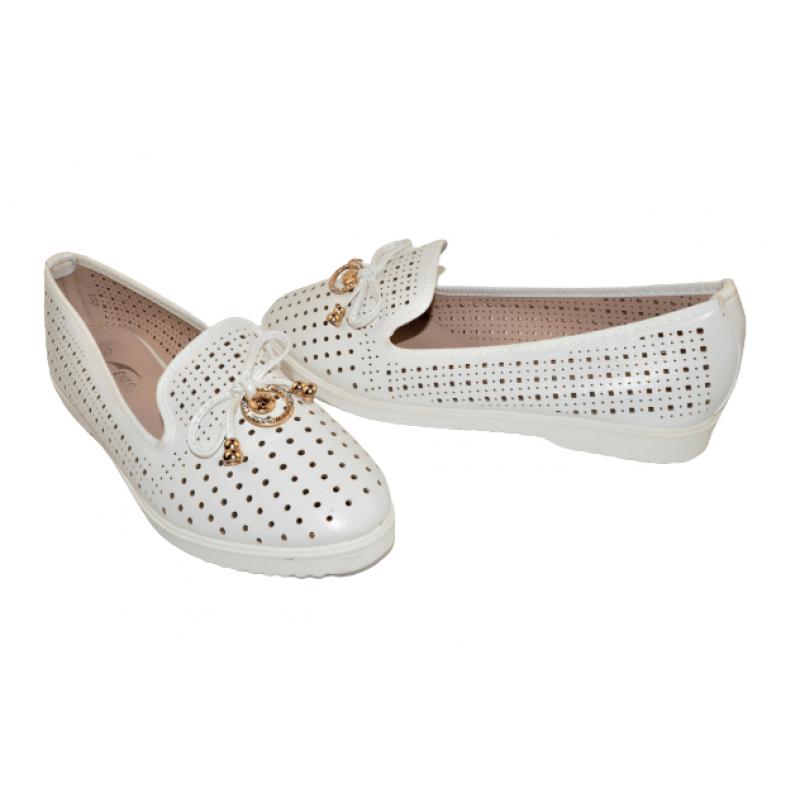 Дамски обувки тип пантофки в бяло E53-W