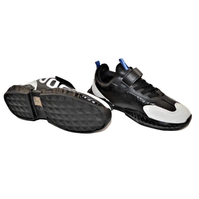 Детски маратонки в черно 0055-3