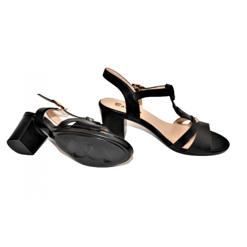 Дамски елегантни сандали на ток в черно Y9254-1