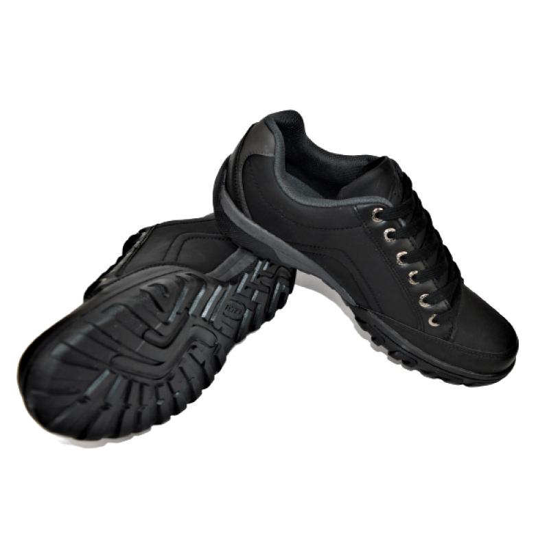 Мъжки обувки в черно 72