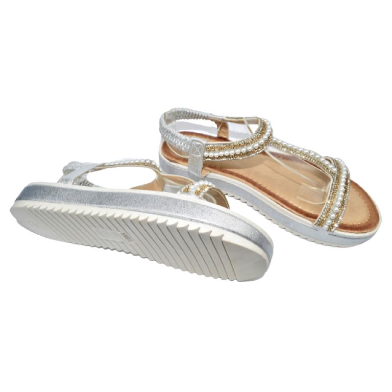 Дамски сандали в сребристо 215