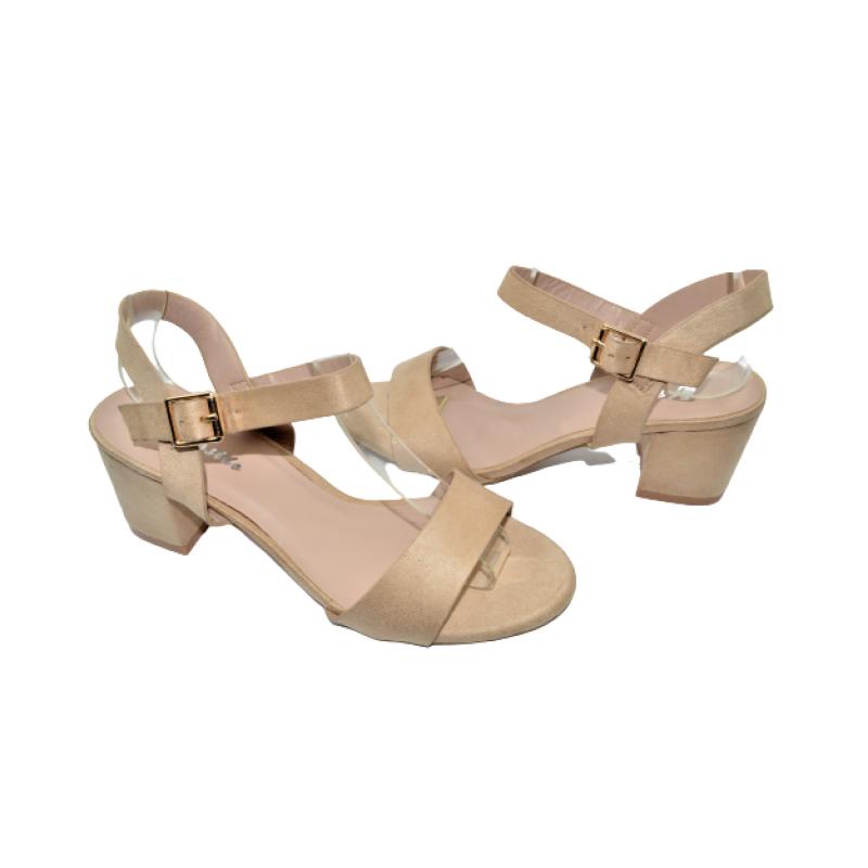 Дамски сандали на ток в бежово 228